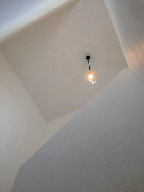 しっくい壁 後藤照明